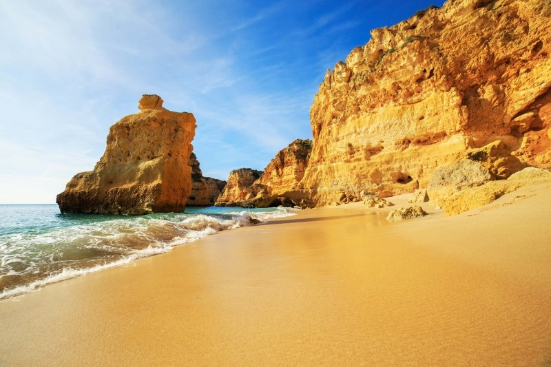 Airport Transfers from Faro Airport to Praia da Rocha (Portimao)